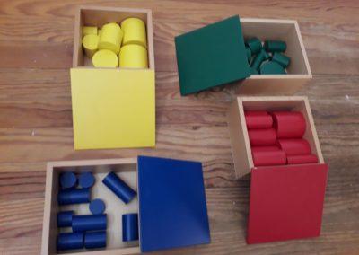 Cylindres de couleur en hêtre